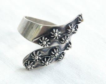Mexican Wrap Ring Vintage Sterling Silver Adjustable Bypass Ring Etruscan Flowers Size 7 .75
