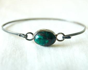Green Stone Bracelet Sterling Silver Hook Eye Bangle Vintage Mexican Size 6 .5 Medium Minimalist Boho Gift for Her