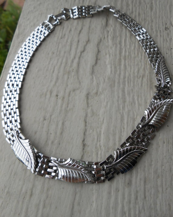Vintage Leaf Necklace. Silver Tone. Gift for Mom, Anniversary, Birthday.