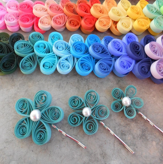 CHOOSE YOUR COLORS. Set Of 3 Paper Hair Flowers.  Wedding , Bridal Hair Piece. Paper Flowers. Quilled Bride, Bridesmaid, Flower Girl.