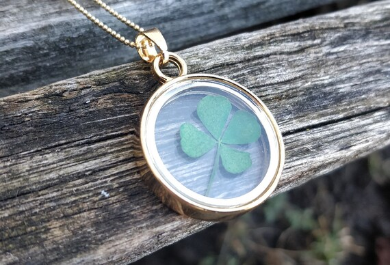 Real Clover Necklace. Gift For Wedding, St. Patricks Day, Birthday. Lucky. Shamrock Necklace