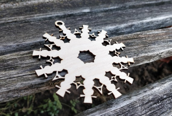 Snowman Snowflake Ornament. Laser Cut. Christmas Decoration, Gift. Mom, Dad, Tree, Reindeer, Holly, Wood Ornament.