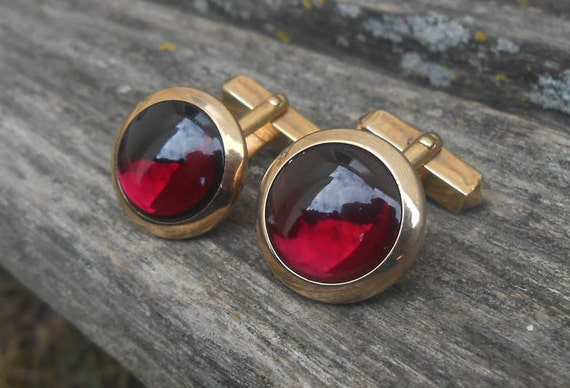 Vintage Red Stone Cufflinks. Wedding, Groom, Groomsmen, Birthday, Men's Christmas Gift, Dad. Anniversary. Valentines.