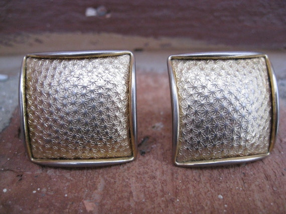 SALE: Vintage Gold Cufflinks. Abstract, Wedding, Men's, Groomsmen Gift, Dad. 1960s.  Gold Tone.