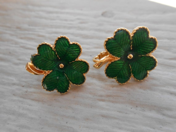Vintage Shamrock Earrings. Clip-On. Green & Gold. Wedding, Mom, Anniversary, St. Patricks Day.