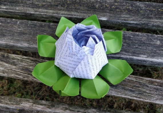 """Poem """"i carry your heart"""" Lotus. Gift, Wedding Decoration, Favor, First Anniversary. Just Because. Under 10. CUSTOM Orders Welcome."""
