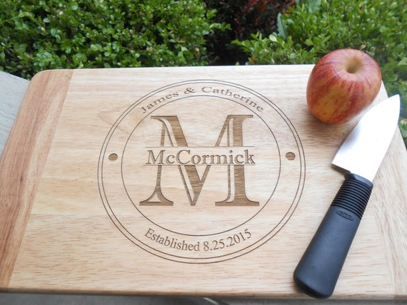 Personalized Cutting Board, CHOOSE YOUR DECORATION. Laser Engraved. Wedding Gift, Christmas Gift, Groomsmen Gift.