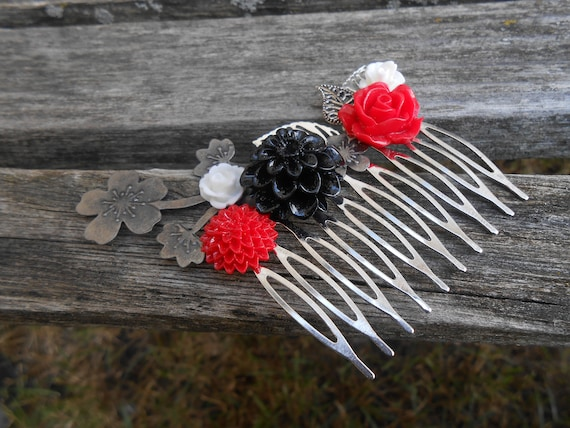 Red, Black, & White Hair Comb. Bridal, Bridesmaid Gift.  Shabby Chic Hair Piece. Flower Girl. Mom, Anniversary, Birthday. Wedding, Prom