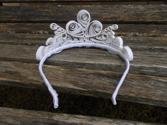 Paper Tiara. CHOOSE YOUR COLORS. Wedding Hair Piece , Bridal, Bridesmaid, Flower Girl, Princess Party. Cinderella. Crown, Headband. Quilled