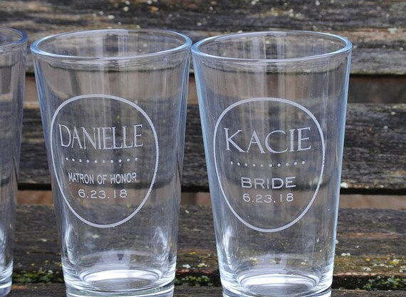 Personalized Pint Glasses. Wedding, Bridesmaid, Groomsmen Gift, Mom, Dad. Beer Pilsner Glass. Party Favor, Wedding Favor, Custom