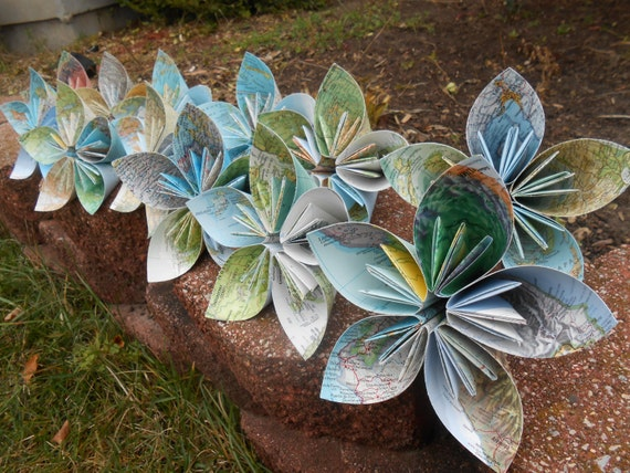 12 Huge Kusudama Paper Flowers. CHOOSE Your MAP, PAPER, Etc. Great For Weddings, Centerpiece, Decoration, Gift.