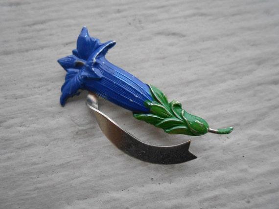 SALE: Vintage Lily Flower Brooch. 1960s vintage. Gift For Mom, Anniversary Gift, Unique Item. Royal, Cobalt Blue