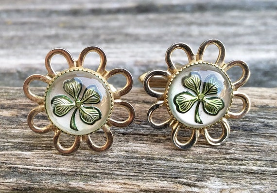 Vintage Shamrock Cufflinks. Gold Tone. Lucky,  St. Patricks Day, Wedding, Men's, Groomsmen Gift, Dad, Christmas