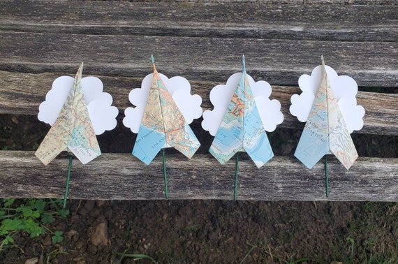 Map Paper Airplane Boutonnieres. Wedding, Prom, Groomsmen, Groom. Origami. Map Boutonniere