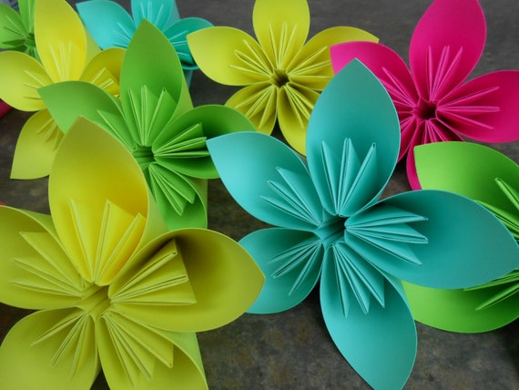 Choose Your Colors. 12 Huge Kusudama Paper Flowers. Great For Weddings, Centerpiece, Decoration, Gift.