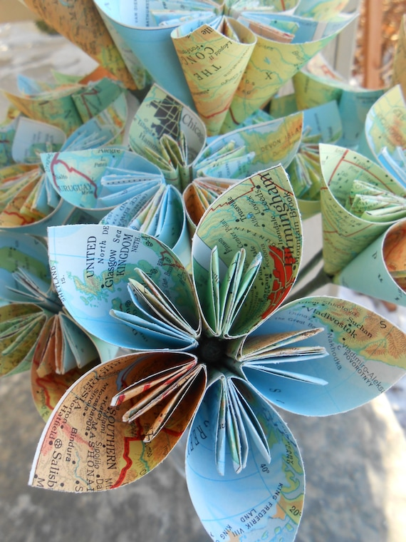 Vintage Map Paper Flower Bouquet, World Map. Origami Paper Flowers. Gifts, First Anniversary, Party, Home Decor, etc. CUSTOM ORDERS WELCOME