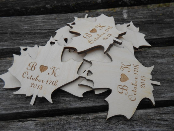 PERSONALIZED Maple Leaf Tags. Laser Cut, Rustic Wedding. Fall Wedding Decoration, Wood Tags.