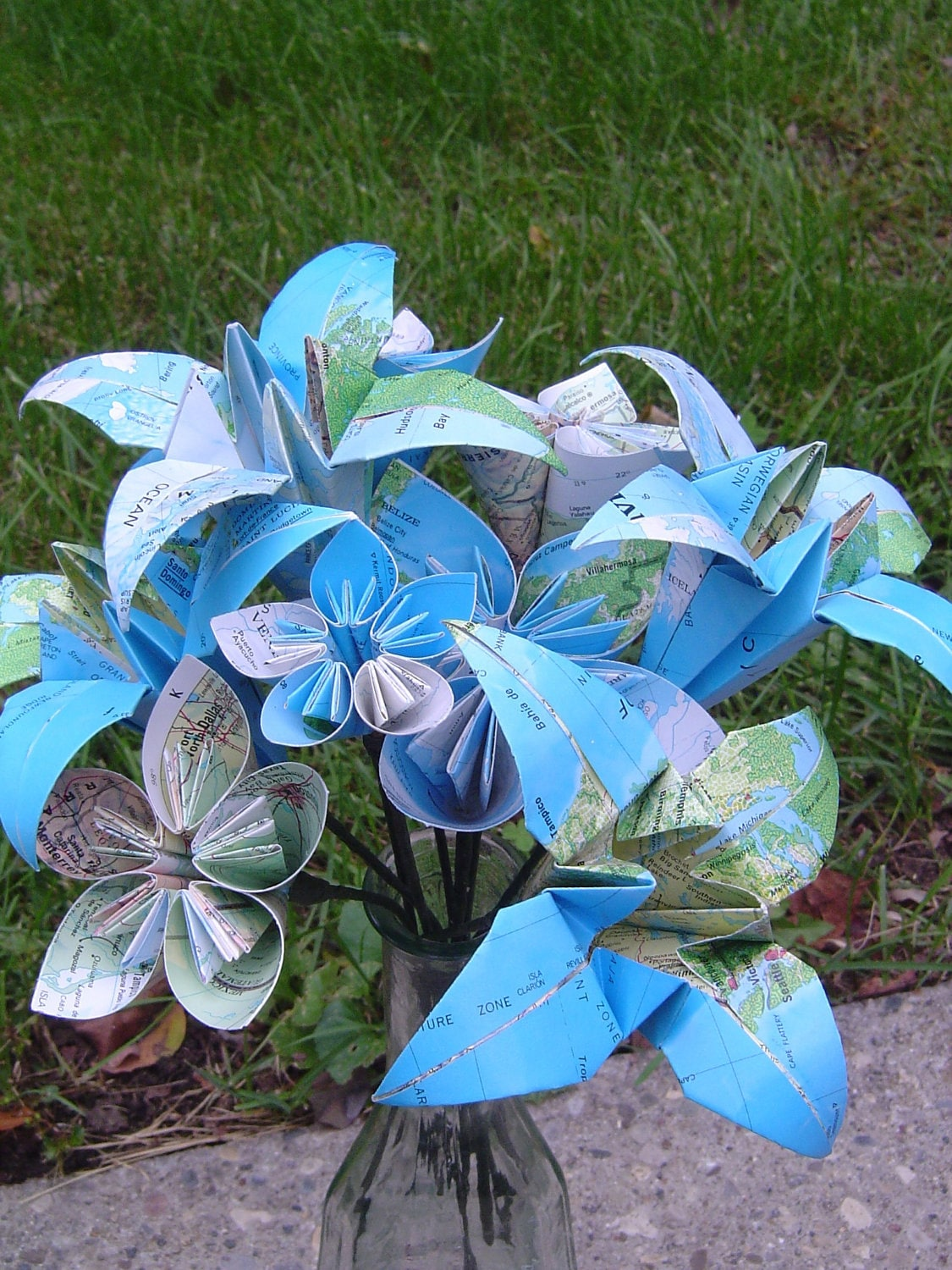 DIY How To: Origami Paper Flower Bouquet | Capitol Romance ... | 1500x1125