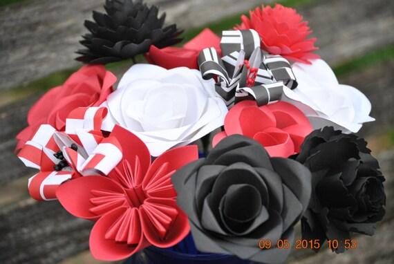 Centerpiece Paper Flower Bouquet, CHOOSE YOUR COLORS. Wedding Decor, Party Decor, Custom. Made To Order.