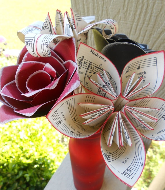 Sheet Music Bouquet. Red & Black. Or CHOOSE YOUR COLORS. Musician Gift, Anniversary, Birthday, Centerpiece, Bridal Bouquet