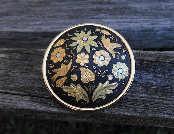 Vintage Damascene Pin, Made In Spain. 1960s Vintage. Brooch, Gift For Mom, Anniversary, Mother of the Bride, Birthday.