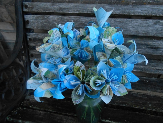 Vintage Map Paper Flower Bouquet, Origami Paper Flowers. Wedding Centerpiece, First Anniversary Gift, Birthday, Mourning, Housewarming.