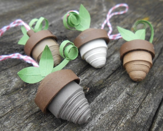 Paper Acorn Ornaments. Christmas, Quilled. Gift For Mom, Dad, Christmas, Gift. Tree Decoration