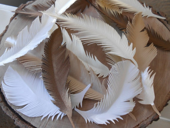 10 Paper Feathers, CHOOSE YOUR COLORS. Escort, Place Cards, Wedding, Decoration, Gift. Favor