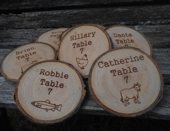 50 PERSONALIZED MENU Wood Rounds. Place Card, Escort Card, Seating. Table Decoration. Meat, Fish, Chicken, Veggie