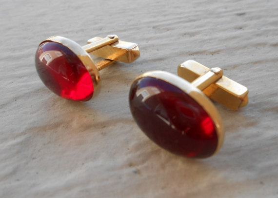 Vintage Red Stone Cufflinks. Wedding, Men's Christmas Gift, Dad. Anniversary. Valentines.