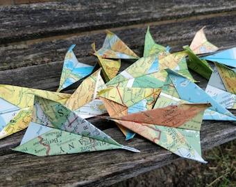 Paper Airplane CONFETTI, Vintage Maps. Escort Card. Wedding Decoration, Party, Birthday, Travel Wedding. Paper Airplanes.