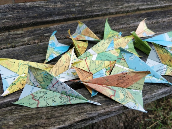 Paper Airplane CONFETTI, Vintage Maps. Escort Card. Wedding Decoration, Party, Birthday, Travel Wedding. Paper Airplanes.