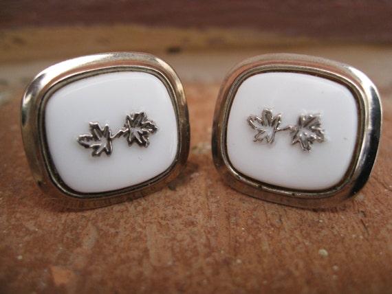 SALE: Vintage Maple Leaf Cufflinks. Wedding, Men's, Groomsmen Gift, Dad.