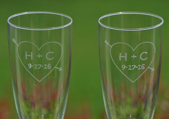 Personalized Champagne Flutes. Wedding, Couple Gift. Laser Engraved Wine Glass. Party Favor, Wedding Favor, Custom