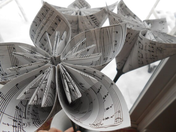 Sheet Music Flowers. Origami Kusudama, or CHOOSE YOUR PAPER, Map, Etc. Great For Wedding, Centerpiece, Decoration, Gift.