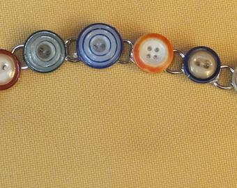 rimmed button bracelet