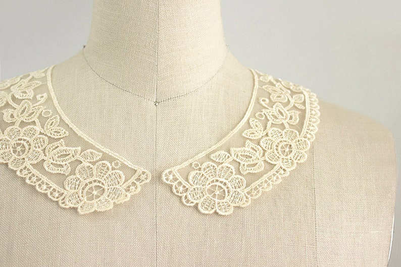 Victorian Clothing, Costumes & 1800s Fashion Antique Cream Embroidered Organza Vintage Style Venise Floral Peter Pan Lace Collar / Neckline / Edwardian Lace Necklace / Peterpan Collar $4.95 AT vintagedancer.com