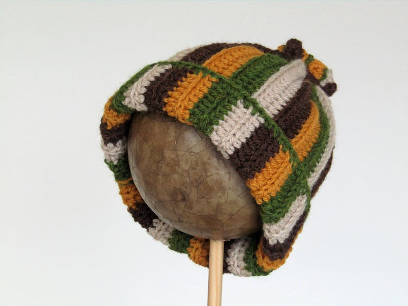 Stripey woolly hat  child  age 5 years and above   chunky image 0