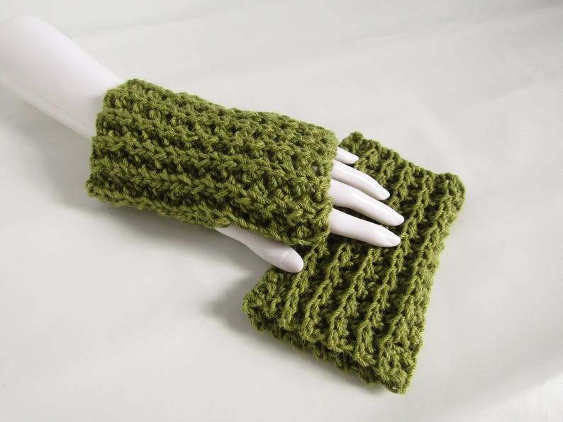 Spring green fingerless gloves  chunky wrist warmers  Alpaca image 0