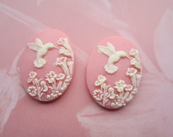 Hummingbird And Foxglove Cabs Pale Coral Pink And Ivory 25x18mm  2Pcs.