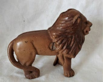 Vintage Cast Iron Lion Still Bank