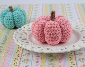 Halloween decoration, crochet pumpkins, pretend food, fall decor, Halloween gift, Thanksgiving decorations, cute amigurumi pupmkin