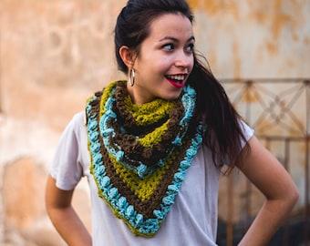 Triangle crochet scarf, Triagle Shawlette, Boho crochet scarf, Brown teal scarf, Brown crochet shawl, Winter triangle cowl, Multicolor scarf