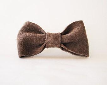 Cute hair bow, Grey hair bow barrette, Concrete color hair bow, Leather bow barrette, Leather hair bow clip, Grey leather bow, Grey hairbow