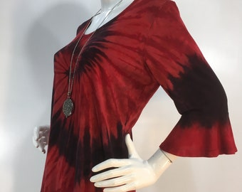 Plus size 2X red & black tie dye bamboo top with flounced 3/4 sleeves and scoop neck.