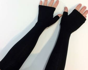 Black fingerless gloves, gauntlets, arm warmers in bamboo blend.