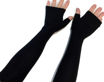 Fingerless gloves, gauntlets, arm warmers in bamboo blend.