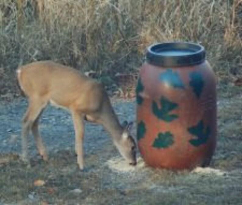 Aunt Molly's Gravity Deer Feeder, Also Turkey & Hog Feeders, Leaf  Pattern-FREE SHIPPING
