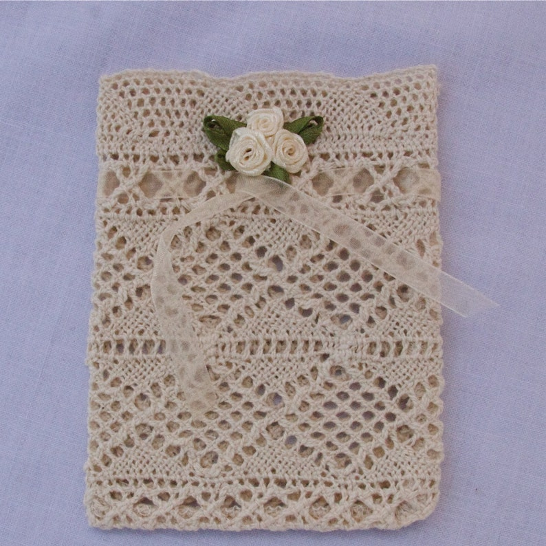 Bag Wedding favor bag Small Lace Gift Pouch with Cream Ornaments
