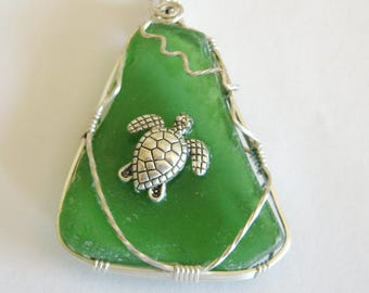 Sea Turtle Necklace,Recycled Glass Pendant, Green Glass Pendant, Wire Wrapped Pendant,Turtle pendant,Sterling pendant, Sea Glass Jewelry,